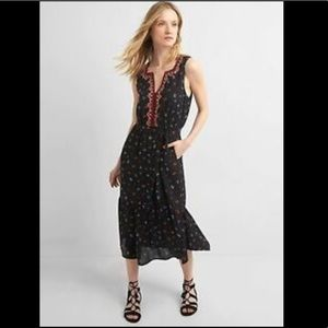 NWT GAP embroidered floral sleeveless dress